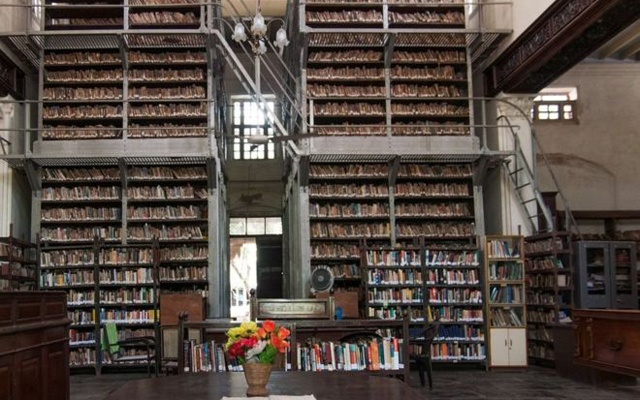 Indian-library-1