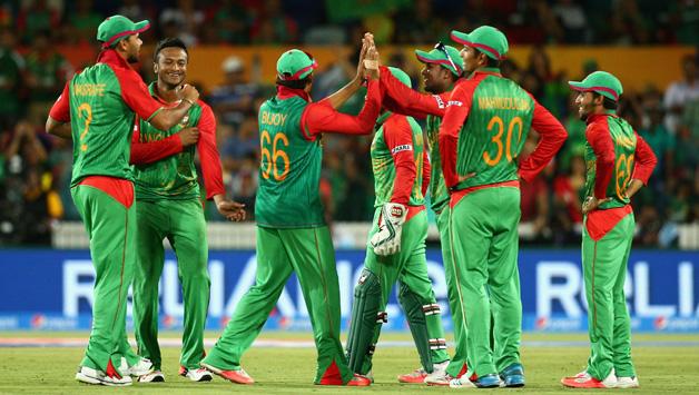 Bangladesh-players-celebrate-running-out-Samiullah-Shinwari1
